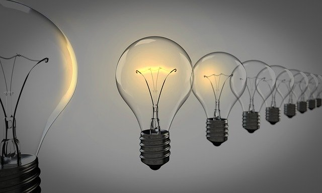 image of a sequence of bulbs representing major energy inefficiencies in homes