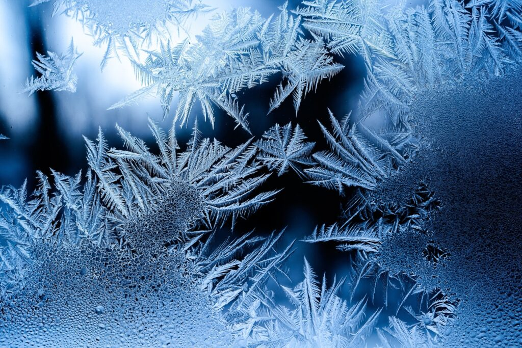 image of a beautiful snowflake representing how to manually defrost your heat pump
